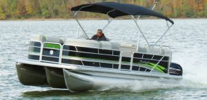Rental Ski Pontoon - Front on Water